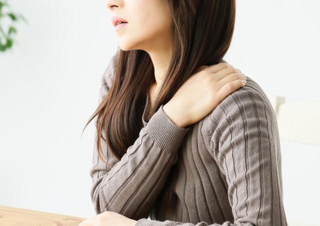 産後の肩コリはなぜ起こるの?